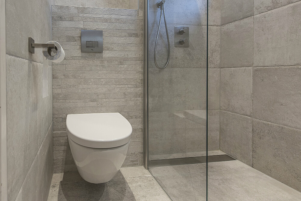badkamer-stenen tegels wc